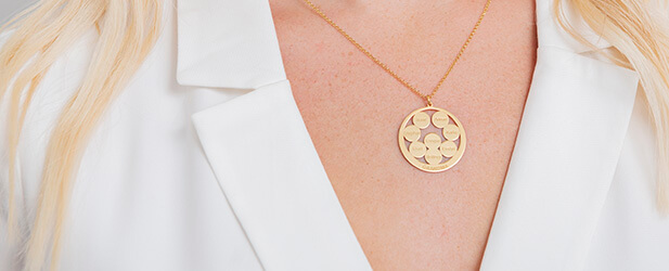 Engraved necklace on a Solo Mio Jewellery model