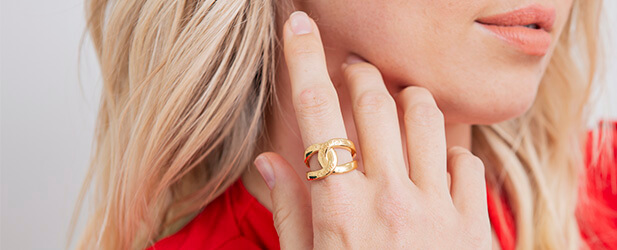 promise ring on a Jewellery model